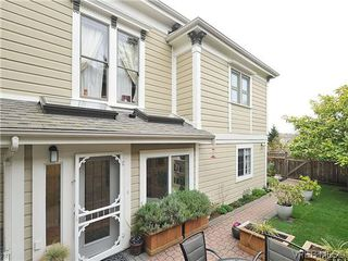 Photo 2: 1446 Pembroke St in VICTORIA: Vi Fernwood Row/Townhouse for sale (Victoria)  : MLS®# 635694