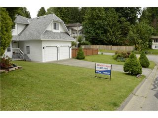 Photo 3: 8052 WAXBERRY CR in Mission: Mission BC House for sale : MLS®# F1413376