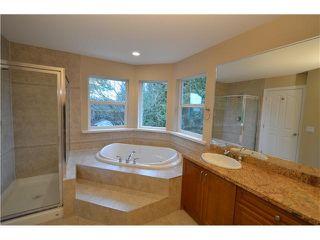 Photo 12: Coquitlam: Condo for sale : MLS®# R2081735