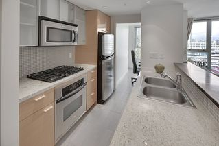 Photo 12: 702 33 SMITHE STREET in Vancouver: Yaletown Condo for sale (Vancouver West)  : MLS®# R2103455