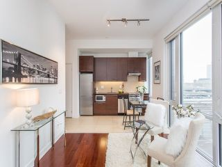 Photo 2: 1 Market St Unit #516 in Toronto: Waterfront Communities C8 Condo for sale (Toronto C08)  : MLS®# C3690510