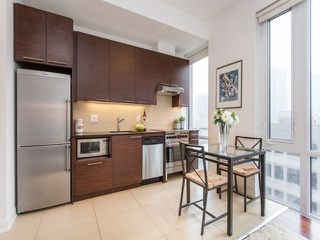 Photo 3: 1 Market St Unit #516 in Toronto: Waterfront Communities C8 Condo for sale (Toronto C08)  : MLS®# C3690510