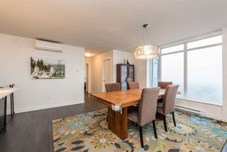 Photo 4: 2401 608 BELMONT STREET in New Westminster: Uptown NW Condo for sale : MLS®# R2159779