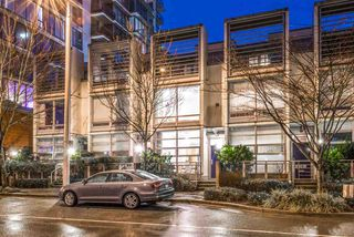 "Main Photo: 326 W 1ST Avenue in Vancouver: False Creek Townhouse for sale in ""Foundry"" (Vancouver West)  : MLS®# R2430565"