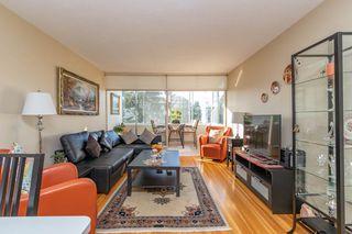 "Photo 2: 301 1425 ESQUIMALT Avenue in West Vancouver: Ambleside Condo for sale in ""OCEANBROOK"" : MLS®# R2435961"