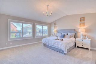 Photo 17: 28 Mount Rae Heights: Okotoks Detached for sale : MLS®# C4302078