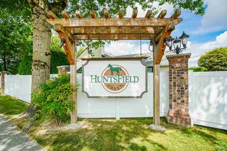"""Main Photo: 37 19649 53 Avenue in Langley: Langley City Townhouse for sale in """"Huntsville Green"""" : MLS®# R2482903"""