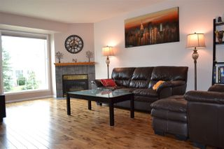 Photo 2: 26 11717 9B Avenue in Edmonton: Zone 16 Townhouse for sale : MLS®# E4213916