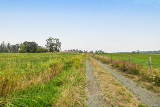 Photo 6: 5308&5318 Headquarters Rd in : CV Courtenay North House for sale (Comox Valley)  : MLS®# 856915