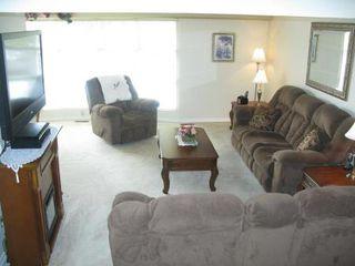 Photo 4: Elegant 4 Bedroom 4-Level Split