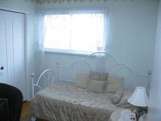 Photo 16: Elegant 4 Bedroom 4-Level Split