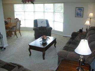 Photo 3: Elegant 4 Bedroom 4-Level Split