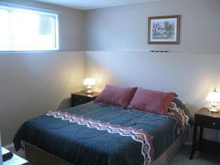 Photo 17: Elegant 4 Bedroom 4-Level Split