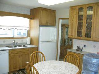 Photo 7: Elegant 4 Bedroom 4-Level Split