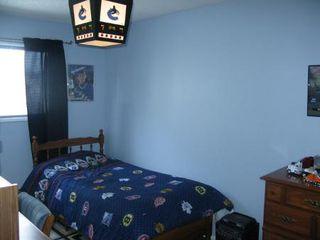 Photo 15: Elegant 4 Bedroom 4-Level Split