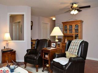 "Photo 3: 106 20240 54A Avenue in Langley: Langley City Condo for sale in ""ARBUTUS COURT"" : MLS®# F1224337"