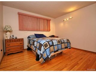 Photo 9: 144 Moore Avenue in WINNIPEG: St Vital Residential for sale (South East Winnipeg)  : MLS®# 1421829