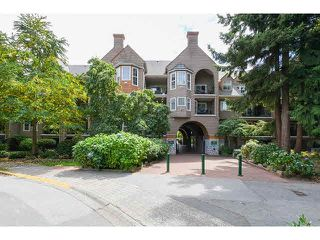 Photo 1: 219 5518 14TH AVENUE in Tsawwassen: Cliff Drive Condo for sale : MLS®# V1138110