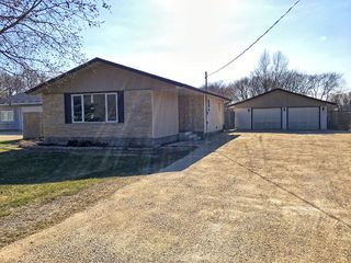 Photo 1: 333 Dufault Drive in Ile Des Chenes: Single Family Detached for sale