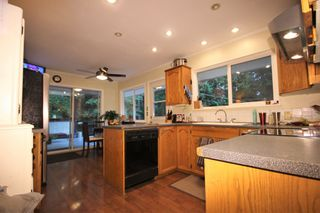 Photo 8: 15550 106 Ave in Surrey: Guildford House for sale : MLS®# R2124641