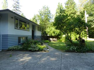 Photo 2: 15550 106 Ave in Surrey: Guildford House for sale : MLS®# R2124641
