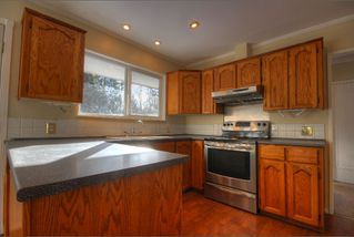 Photo 10: 15550 106 Ave in Surrey: Guildford House for sale : MLS®# R2124641