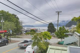 "Photo 15: 206 6688 ROYAL Avenue in West Vancouver: Horseshoe Bay WV Condo for sale in ""Galleries on the Bay"" : MLS®# R2410862"