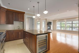 """Photo 4: 206 6688 ROYAL Avenue in West Vancouver: Horseshoe Bay WV Condo for sale in """"Galleries on the Bay"""" : MLS®# R2410862"""