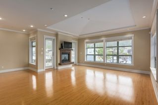 "Photo 7: 206 6688 ROYAL Avenue in West Vancouver: Horseshoe Bay WV Condo for sale in ""Galleries on the Bay"" : MLS®# R2410862"