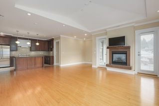 """Photo 11: 206 6688 ROYAL Avenue in West Vancouver: Horseshoe Bay WV Condo for sale in """"Galleries on the Bay"""" : MLS®# R2410862"""