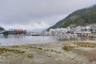 "Photo 2: 206 6688 ROYAL Avenue in West Vancouver: Horseshoe Bay WV Condo for sale in ""Galleries on the Bay"" : MLS®# R2410862"