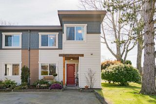 "Photo 1: 36 3151 SPRINGFIELD Drive in Richmond: Steveston North Townhouse for sale in ""Springfield Greene"" : MLS®# R2453195"