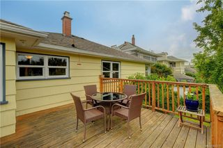 Photo 17: 121 Howe St in Victoria: Vi Fairfield West Single Family Detached for sale : MLS®# 842212