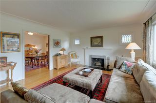 Photo 4: 121 Howe St in Victoria: Vi Fairfield West Single Family Detached for sale : MLS®# 842212