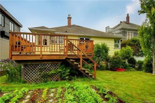 Photo 18: 121 Howe St in Victoria: Vi Fairfield West Single Family Detached for sale : MLS®# 842212