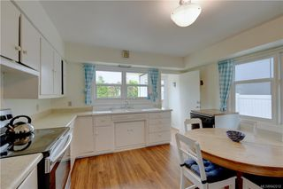 Photo 6: 121 Howe St in Victoria: Vi Fairfield West Single Family Detached for sale : MLS®# 842212