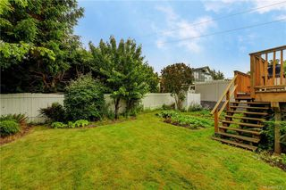 Photo 19: 121 Howe St in Victoria: Vi Fairfield West Single Family Detached for sale : MLS®# 842212