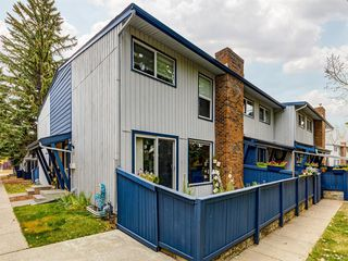 Photo 1: 16 5315 53 Avenue NW in Calgary: Varsity Row/Townhouse for sale : MLS®# A1041162