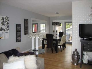 Photo 5: 20 FLAVELLE Road SE in CALGARY: Fairview Residential Detached Single Family for sale (Calgary)  : MLS®# C3523862