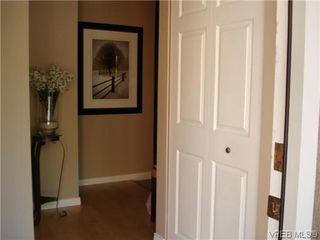 Photo 2: 4 4041 Saanich Rd in VICTORIA: SE High Quadra Row/Townhouse for sale (Saanich East)  : MLS®# 618278