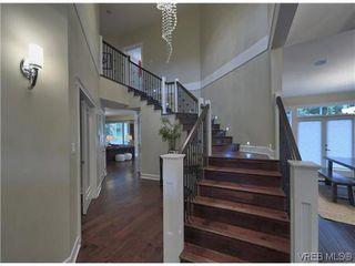 Photo 5: 710 Red Cedar Crt in VICTORIA: Hi Western Highlands House for sale (Highlands)  : MLS®# 629674