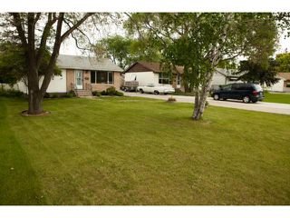 Photo 3: 144 Harper Avenue in WINNIPEG: Windsor Park / Southdale / Island Lakes Residential for sale (South East Winnipeg)  : MLS®# 1312734
