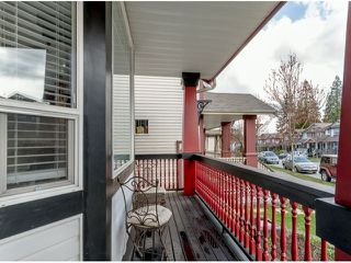 Photo 2: 8747 206TH ST in Langley: Walnut Grove House for sale : MLS®# F1407420