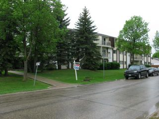 Photo 2: 35 Wynford Drive in WINNIPEG: Transcona Apartment for sale (North East Winnipeg)  : MLS®# 1412798