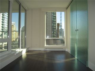 Photo 5: # 704 535 SMITHE ST in Vancouver: Downtown VW Condo for sale (Vancouver West)  : MLS®# V1116512