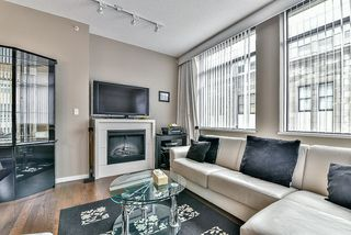 Photo 5: 301 39 SIXTH STREET in New Westminster: Downtown NW Condo for sale : MLS®# R2044508