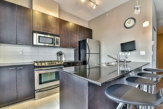Photo 8: 301 39 SIXTH STREET in New Westminster: Downtown NW Condo for sale : MLS®# R2044508