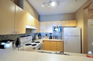 Photo 11: 305 580 TWELFTH STREET in New Westminster: Uptown NW Condo for sale : MLS®# R2062585