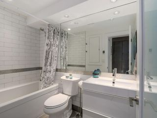 Photo 3: 2247 HEATHER STREET in Vancouver: Fairview VW Condo for sale (Vancouver West)  : MLS®# R2077663