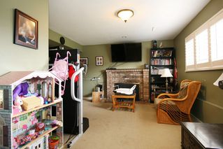 Photo 10: 17516 63RD AVENUE in Surrey: Cloverdale BC House for sale (Cloverdale)  : MLS®# R2148933